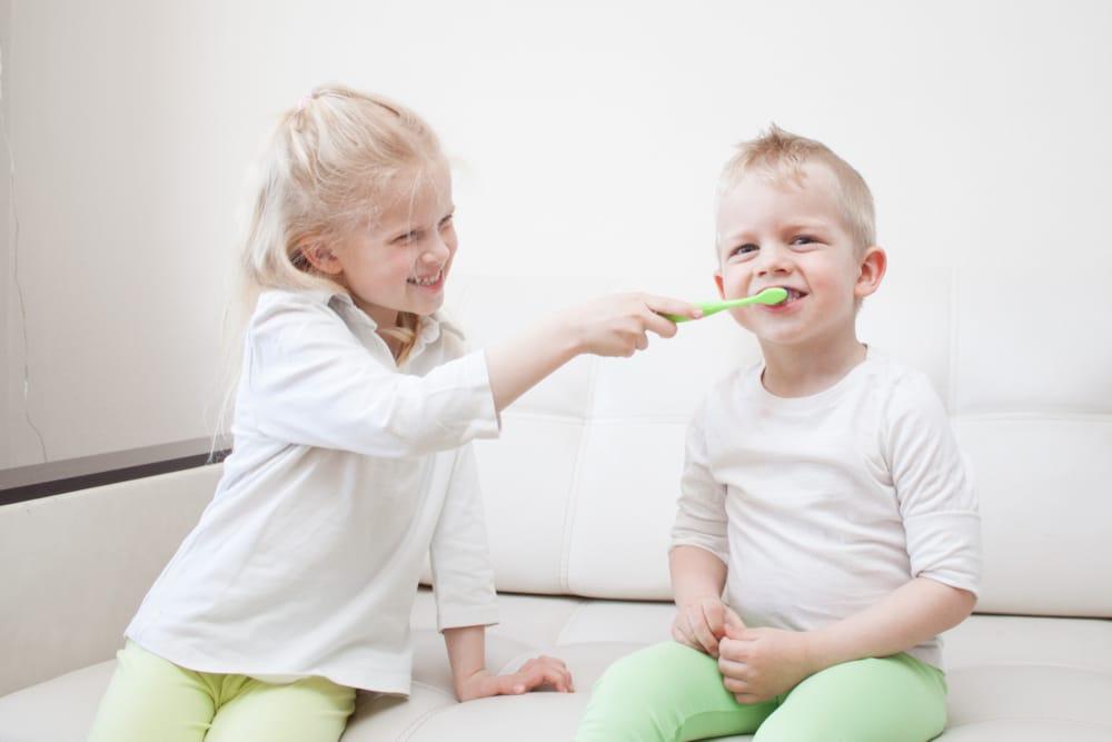 Enfant et Bébé - Frénectomie - Dentisterie pour enfants